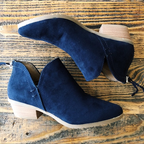 12a92ea351e Kenneth Cole Reaction Sideway Navy Ankle Bootie